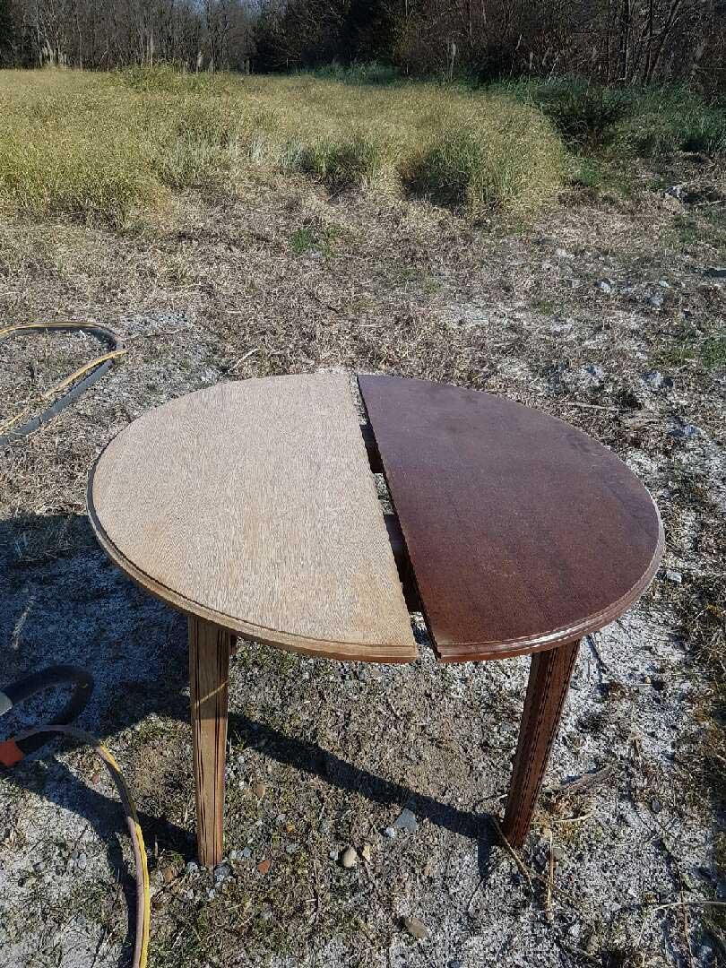 sablage sec d 39 une table en merisier detec bois. Black Bedroom Furniture Sets. Home Design Ideas