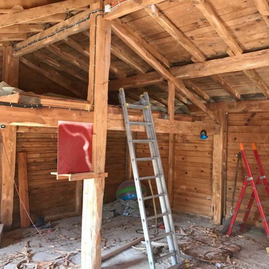 sablage sec et traitement des bois de charpente d 39 une grange dans les landes detec bois. Black Bedroom Furniture Sets. Home Design Ideas