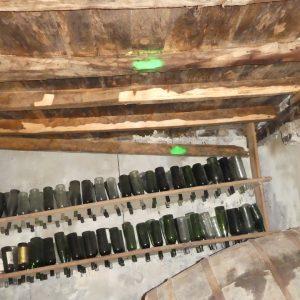 Traitement des insectes xylophages (vrillettes et capricornes) dans les solives en bois dans le pays basque