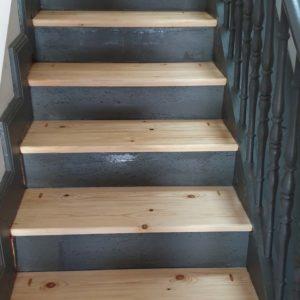 Traitement d'un escalier contre les capricornes à Anglet