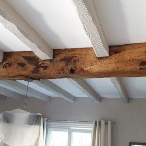 detec bois réalise le traitement contre les vrillettes et les capricornes des poutres en bois d'une maison a anglet au pays basque
