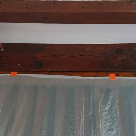 detec bois realise le traitement anti-vrillettes et anti-capricornes des solives d'une maison à hasparren